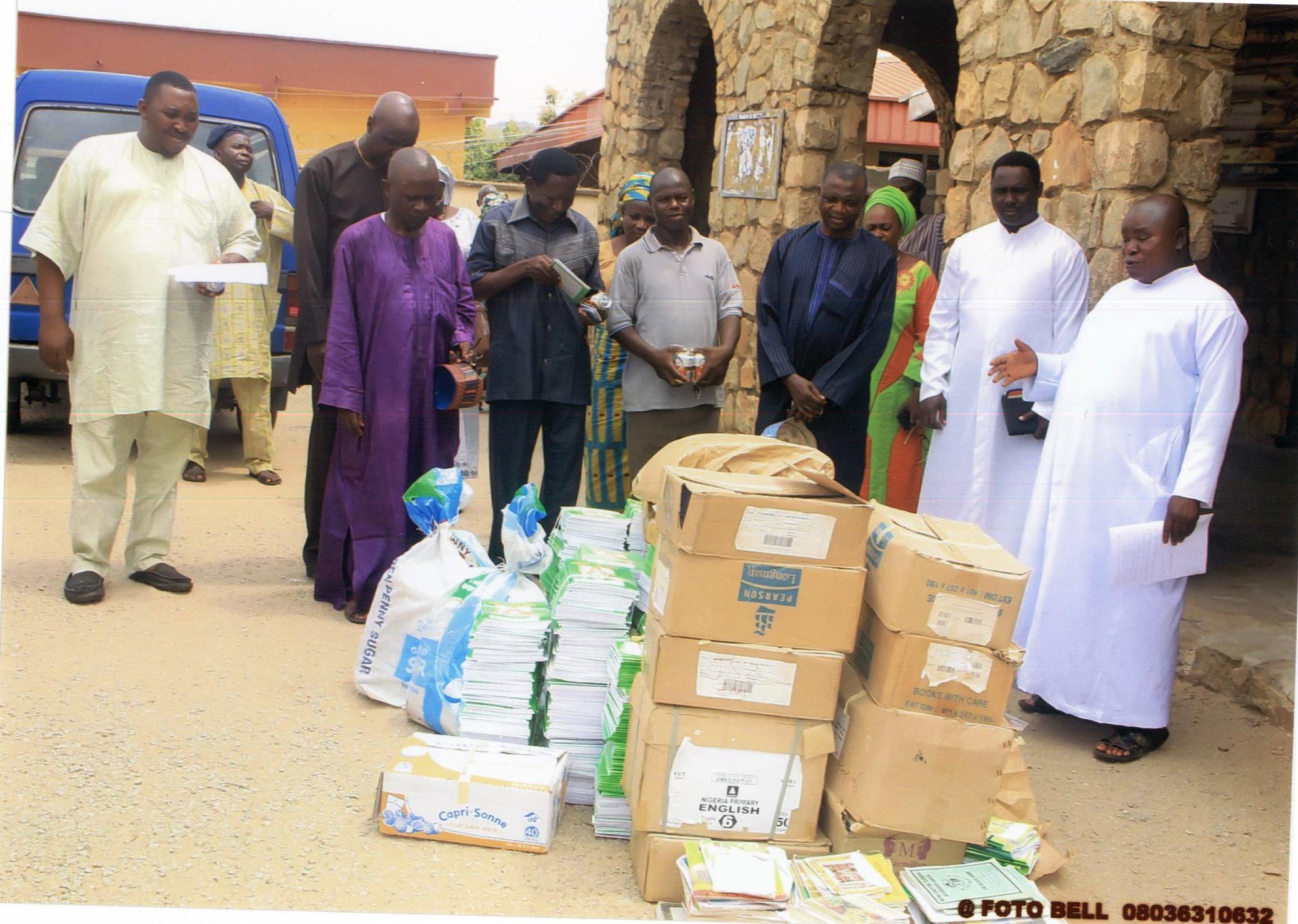 CKC EBIRA CATHOLIC COMMUNITY DONATES BOOKS TO SCHOOLS IN OKENE DEANARY, LOKOJA DIOCESE, KOGI STATE